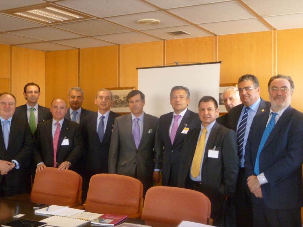 CEPE y FEPEVAL proponen al Ministerio de Industria un proyecto de Ley de Competitividad de las Áreas Empresariales