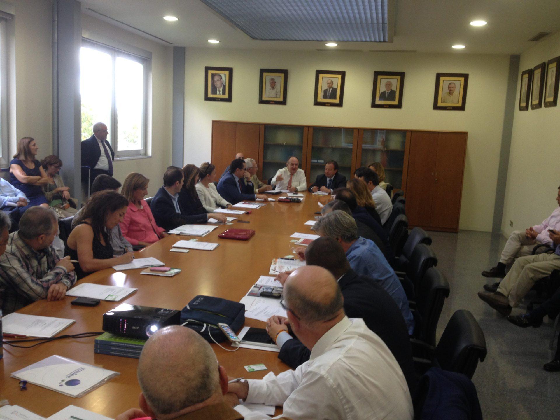 Reunión de la Junta Directiva de FEPEVAL: incorporación de Asociación del polígono L'Alter de Alcàsser, Asociación de Polígonos de Paiporta y Entidad de Conservación Parque Logístico de València (Riba-roja)
