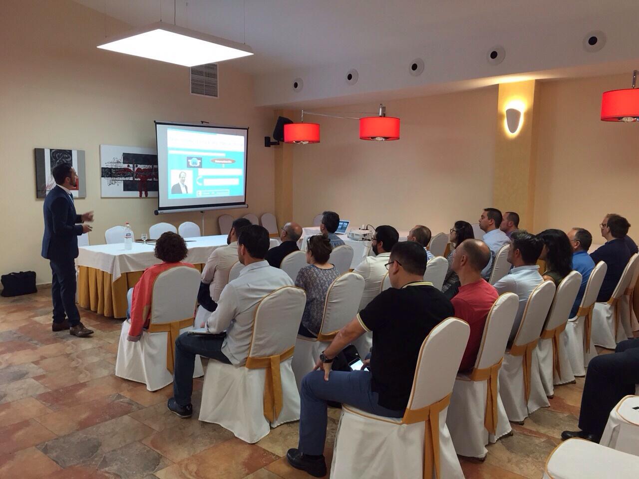 La Asociación de empresas del Polígono Industrial de Rafelbunyol (AEPIR) continúa apostando por la formación de coaching para sus empresarios.