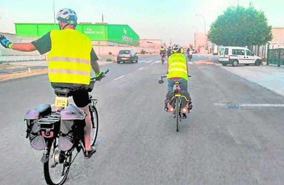 Al polígono en bicicleta