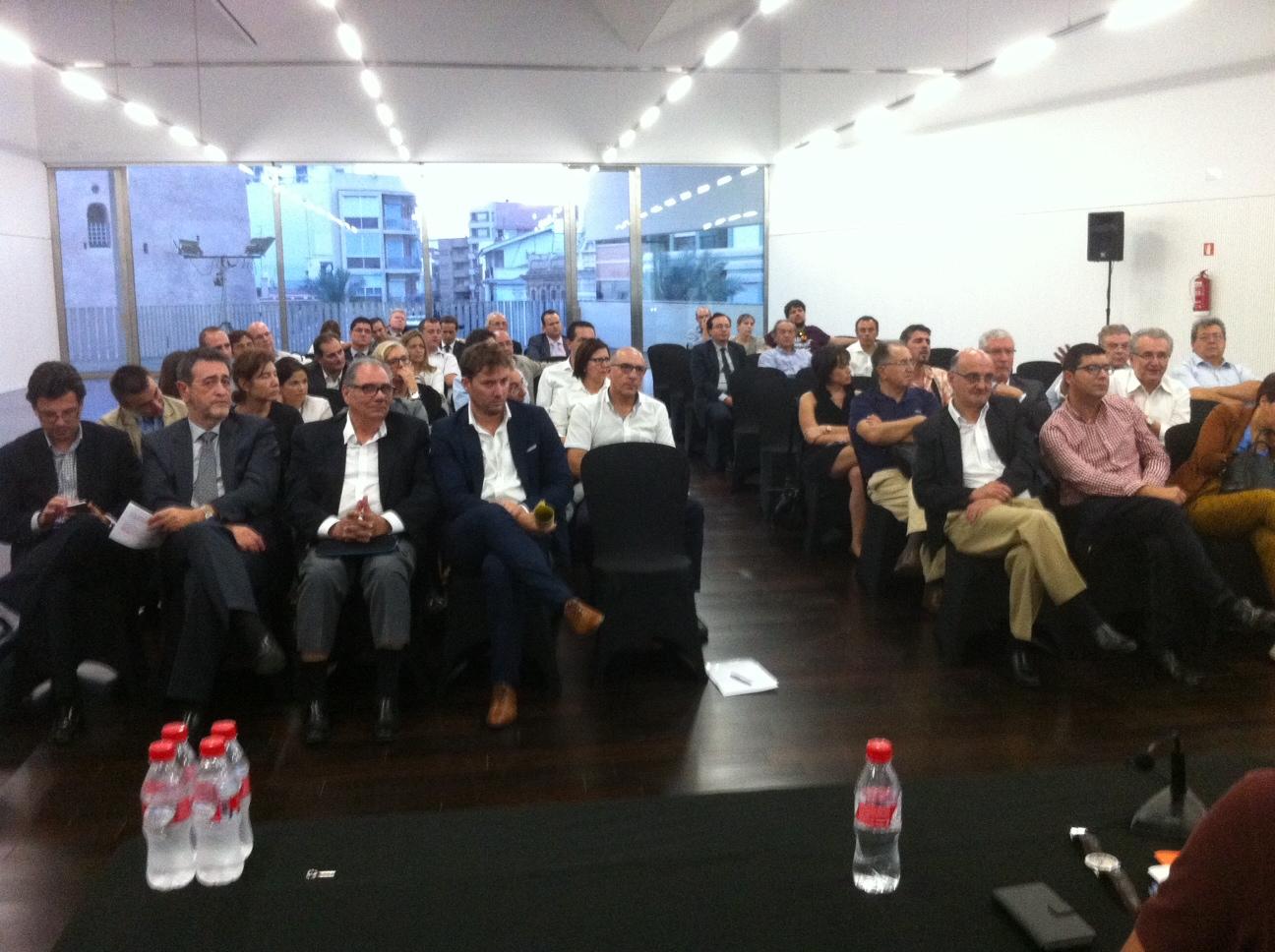 Presentación del Manifiesto para la recuperación económica, industrial y comercial de L'Horta Sud.