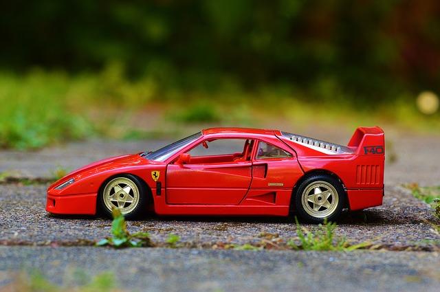 ¿Un Ferrari en una pista forestal?
