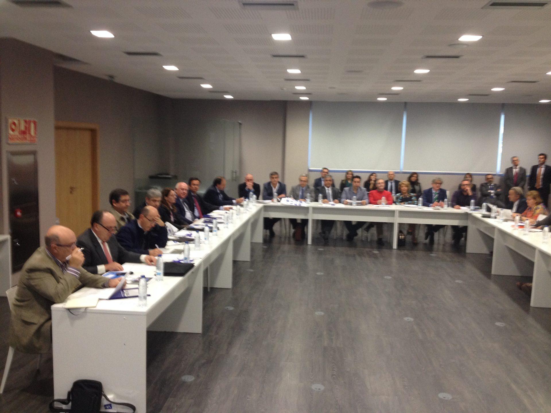 Adhesión de la Asociación de Empresarios la REVA (Riba-roja) en la última junta de Fepeval en Elche.