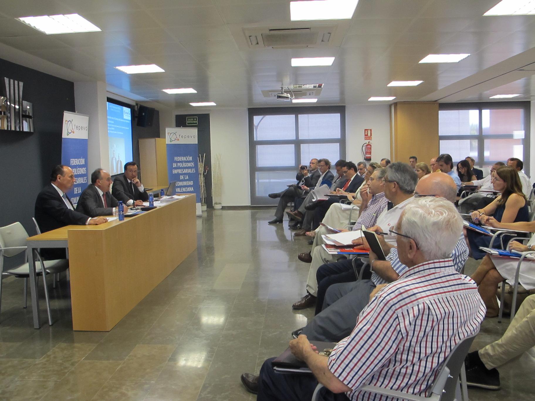 FEPEVAL celebra reunión de su junta directiva en ASIVALCO y firma un acuerdo de colaboración con el Consejo de Cámaras de Comercio de la Comunitat Valenciana.