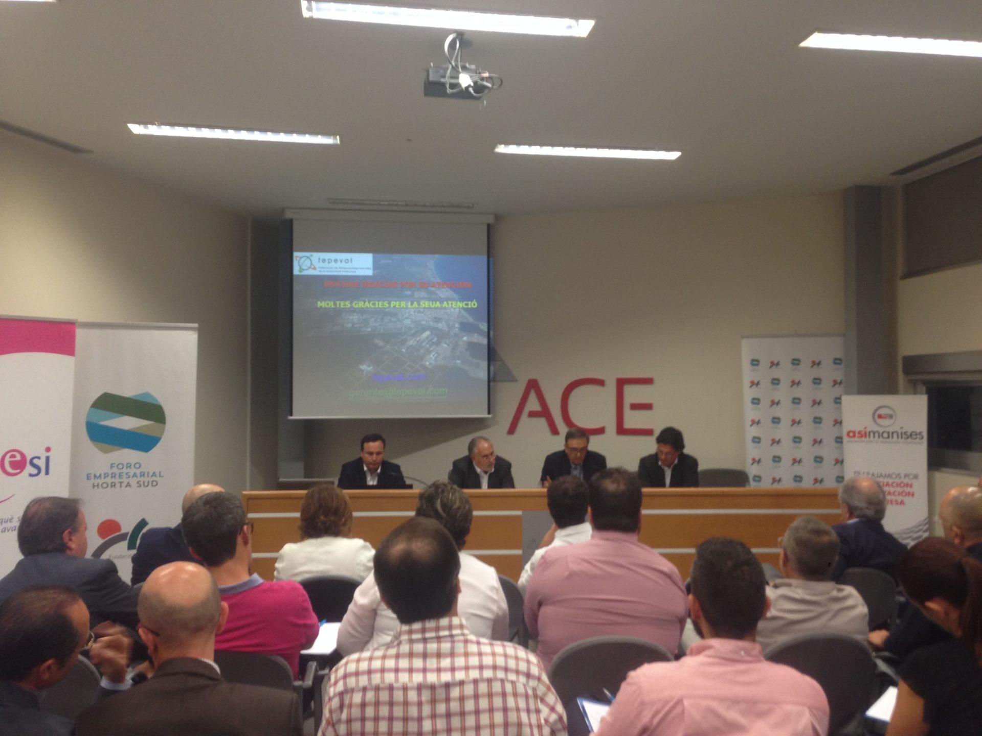 Conferencia de los directores generales Diego Maciá y Toni Such en el Foro Empresarial de L'Horta Sud celebrada en ACE.