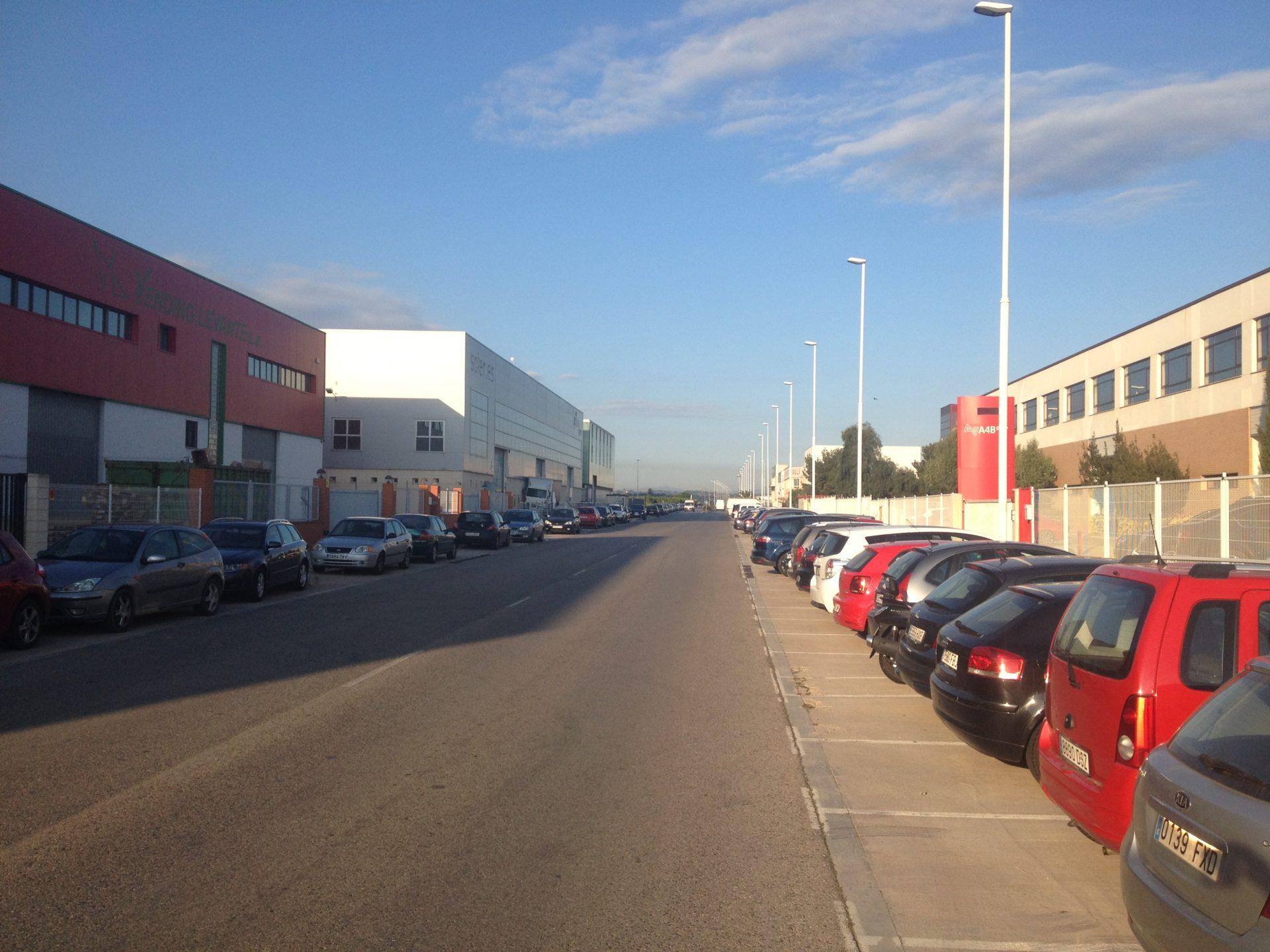 Preocupación en AEMON por la deficiente calidad del suministro eléctrico en las áreas empresariales de Moncada.