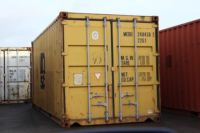 Economía aplaude la oferta de Chiva para una nueva zona logística del puerto