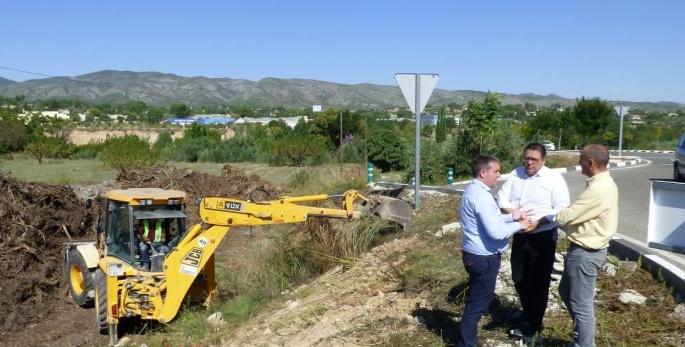 Ontinyent inicia les obres que invertiran 1 milió d'euros en modernitzar el polígon El Pla  h