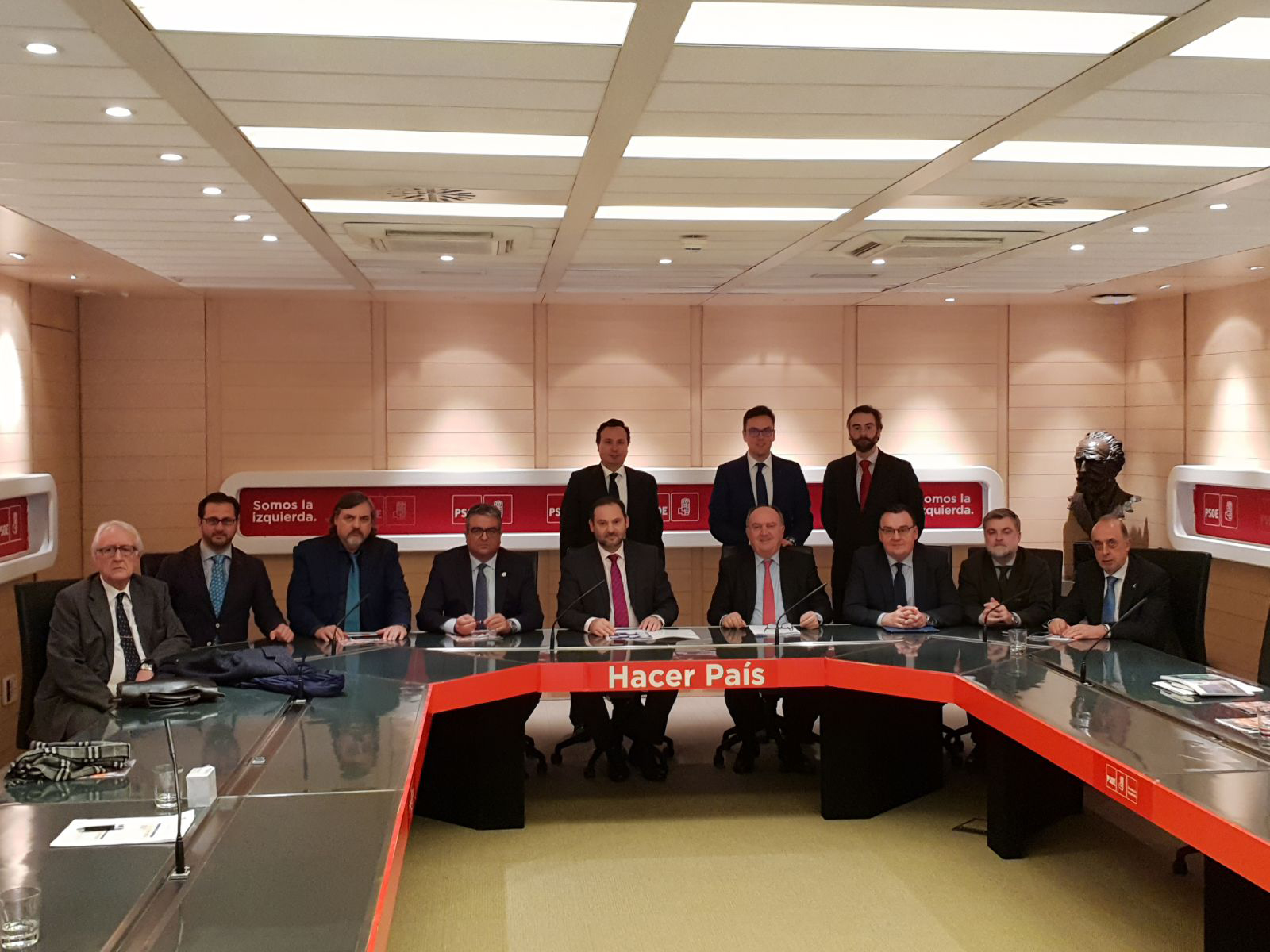 CEDAES es reuneix a Madrid amb el Secretari d'Organització del PSOE per a impulsar una normativa nacional que potencie les àrees empresarials