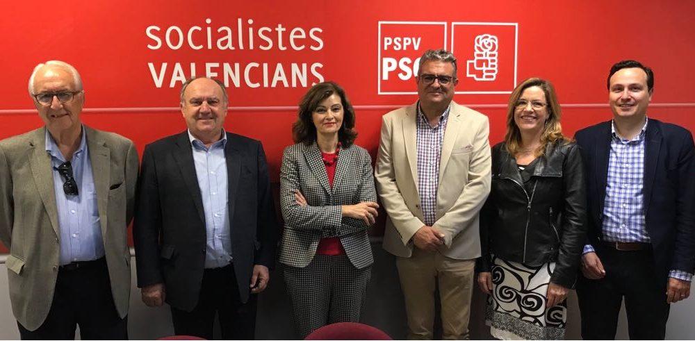 Representants de CEDAES, FEPEVAL i FEPEMUR analitzen amb la portaveu socialista d'Indústria, Ana Botella, les necessitats de les àrees empresarials