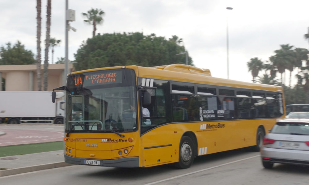 El bus que uneix València amb Parc Tecnològic i L'Andana evita més de 8.000 trajectes de vehicles en 5 mesos